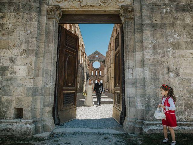 Il matrimonio di Dumitru e Iuliana a Chiusdino, Siena 35