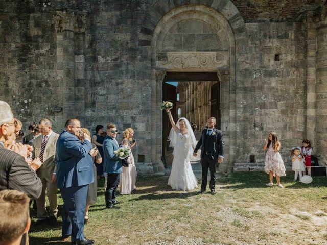 Il matrimonio di Dumitru e Iuliana a Chiusdino, Siena 36