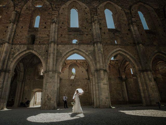 Il matrimonio di Dumitru e Iuliana a Chiusdino, Siena 47