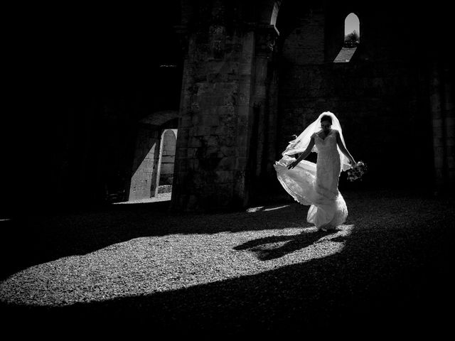Il matrimonio di Dumitru e Iuliana a Chiusdino, Siena 49