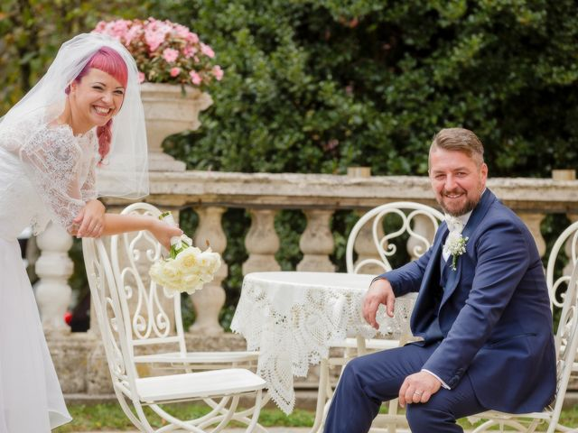 Il matrimonio di Marco e Valentina a Tradate, Varese 33
