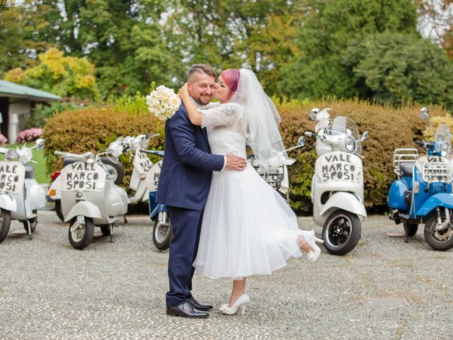 Il matrimonio di Marco e Valentina a Tradate, Varese 34