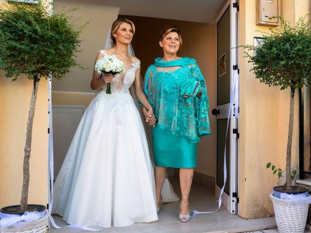 Il matrimonio di Raffaele e Serena a Tricarico, Matera 17