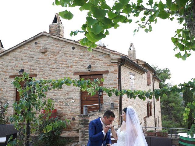 Il matrimonio di Antonino e Elena a Petriano, Pesaro - Urbino 27
