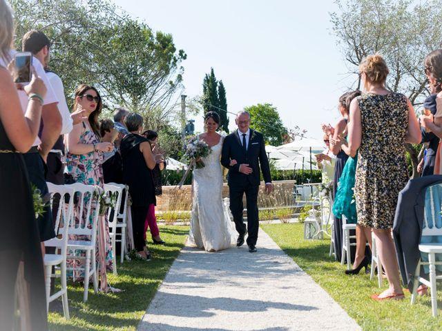 Il matrimonio di Francesco e Cathy a Mogliano, Macerata 12