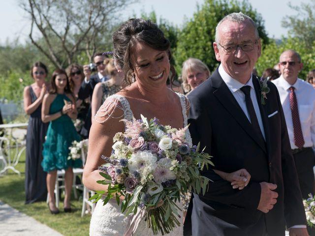 Il matrimonio di Francesco e Cathy a Mogliano, Macerata 13