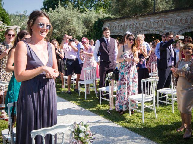 Il matrimonio di Francesco e Cathy a Mogliano, Macerata 15