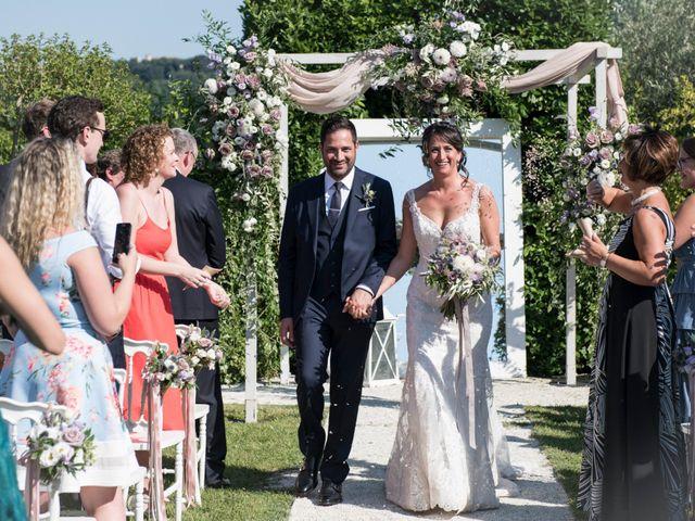 Il matrimonio di Francesco e Cathy a Mogliano, Macerata 22