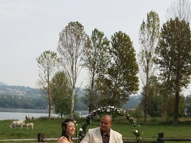 Il matrimonio di Mattia e Agnese a Galliate Lombardo, Varese 8