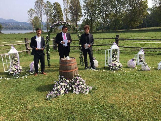 Il matrimonio di Mattia e Agnese a Galliate Lombardo, Varese 12