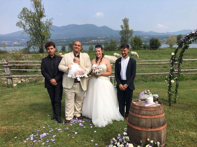 Il matrimonio di Mattia e Agnese a Galliate Lombardo, Varese 13