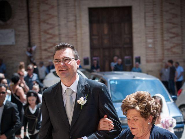 Il matrimonio di Andrea e Romina a Montecassiano, Macerata 27
