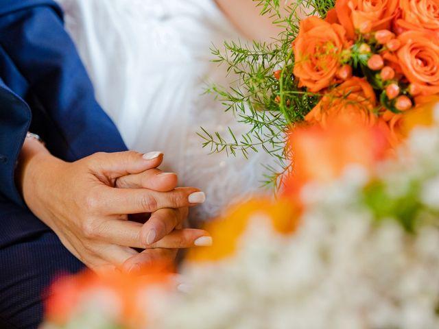 Il matrimonio di Lorenzo e Michela a Malnate, Varese 20