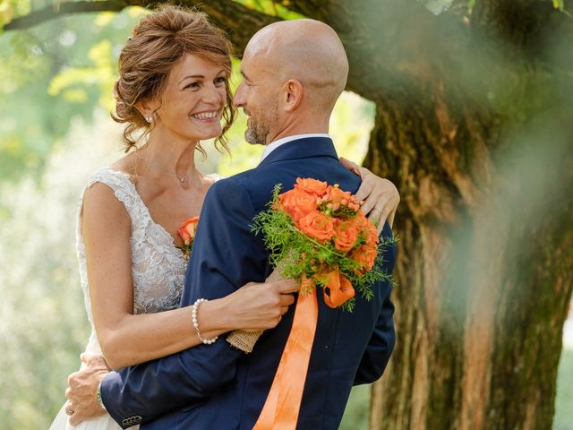 Il matrimonio di Lorenzo e Michela a Malnate, Varese 29