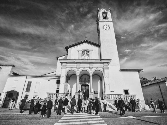 Il matrimonio di Simone e Chiara a Albizzate, Varese 15