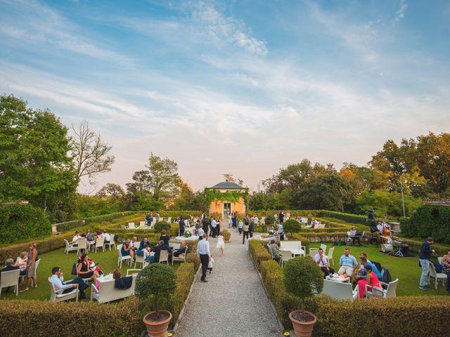 Il matrimonio di Simone e Chiara a Albizzate, Varese 24