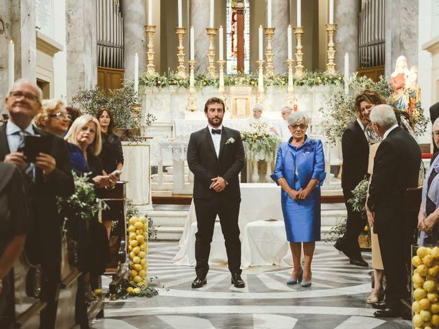 Il matrimonio di Tommaso e Caterina a Viareggio, Lucca 25