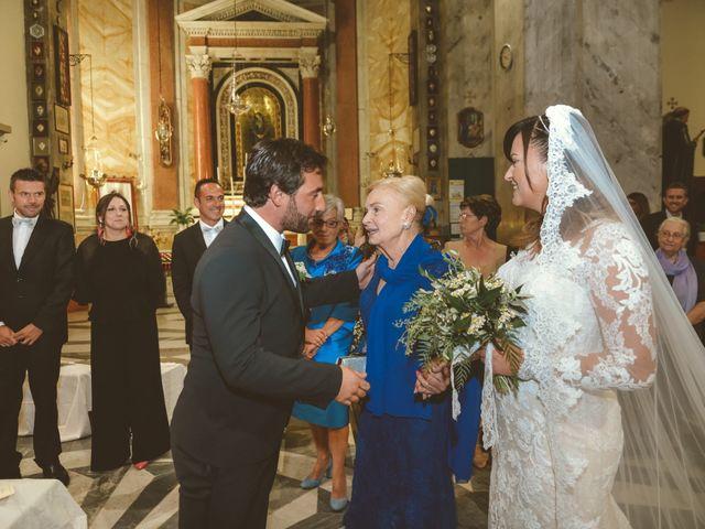 Il matrimonio di Tommaso e Caterina a Viareggio, Lucca 27