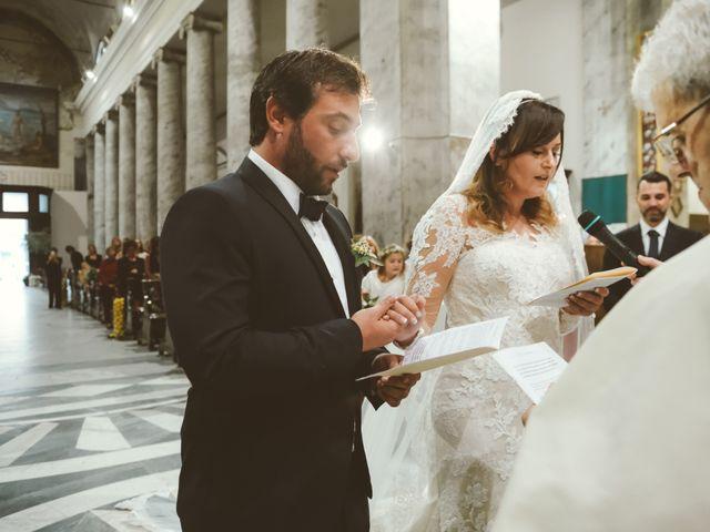 Il matrimonio di Tommaso e Caterina a Viareggio, Lucca 29
