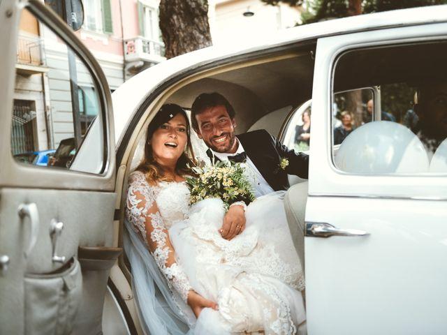 Il matrimonio di Tommaso e Caterina a Viareggio, Lucca 31