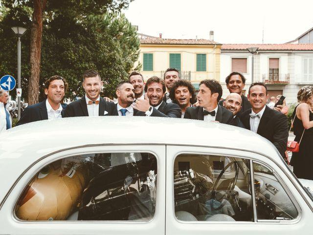 Il matrimonio di Tommaso e Caterina a Viareggio, Lucca 50