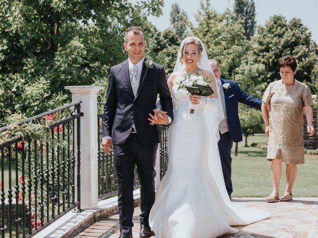 Il matrimonio di Mattia e Elena a  Zelarino, Venezia 11