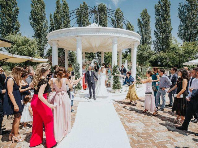 Il matrimonio di Mattia e Elena a  Zelarino, Venezia 16