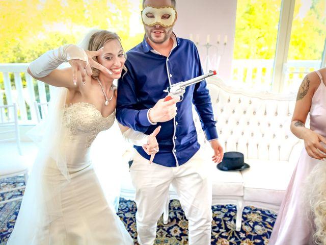 Il matrimonio di Mattia e Elena a  Zelarino, Venezia 43