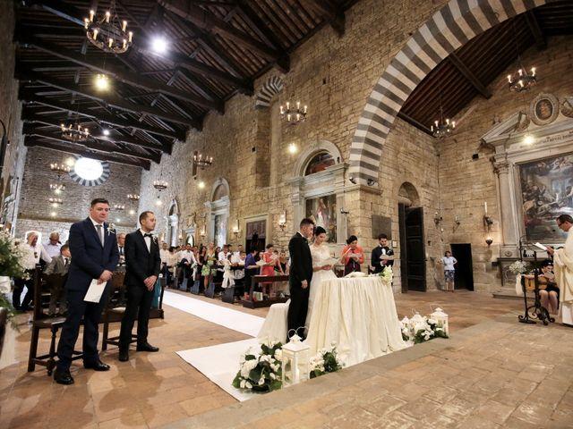 Il matrimonio di Valentina e Fabio a Poppi, Arezzo 30