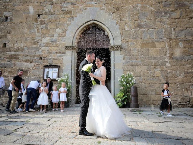 Il matrimonio di Valentina e Fabio a Poppi, Arezzo 40