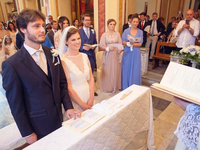 Il matrimonio di Lorenzo e Anna a Bagnone, Massa Carrara 46