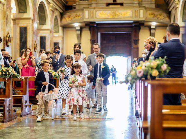 Il matrimonio di Cristofer e Irene a Caprino Bergamasco, Bergamo 17