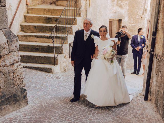 Il matrimonio di Roberto e Mariasole a Scanno, L'Aquila 8
