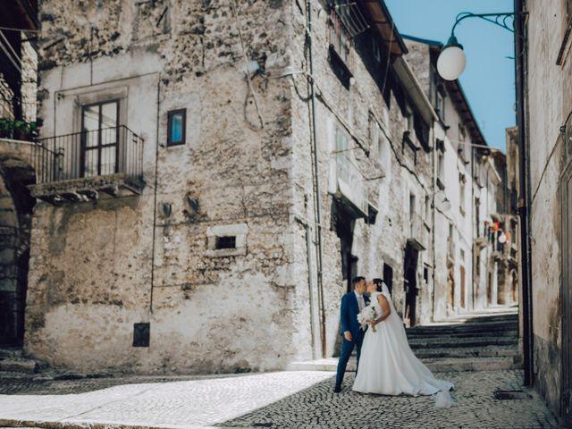 Il matrimonio di Roberto e Mariasole a Scanno, L'Aquila 32