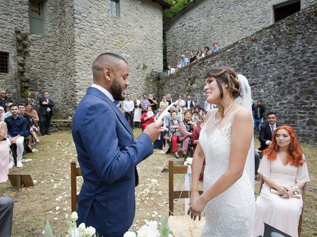Il matrimonio di Josivaldo e Alessandra a Piteglio, Pistoia 26