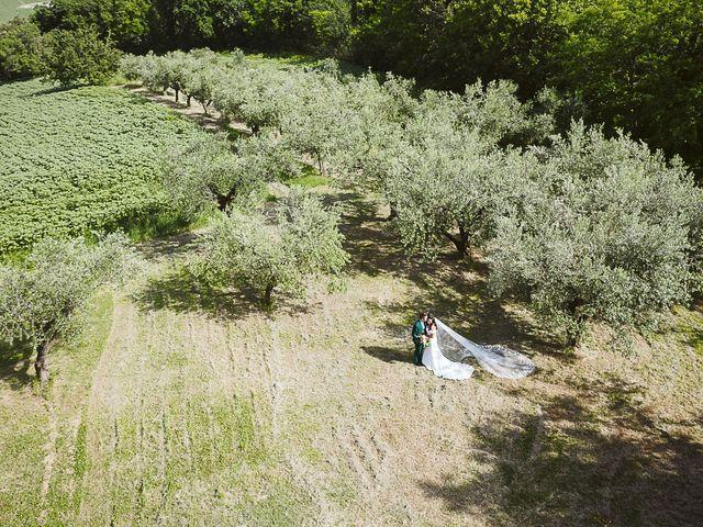 Il matrimonio di Michael e Morgana a Fossombrone, Pesaro - Urbino 16