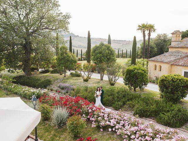 Il matrimonio di Michael e Morgana a Fossombrone, Pesaro - Urbino 29
