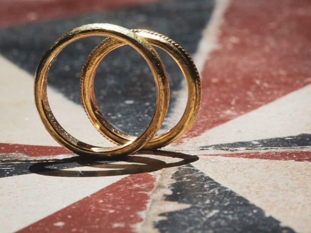 Il matrimonio di Valentin e Violette a Castiglione del Lago, Perugia 4