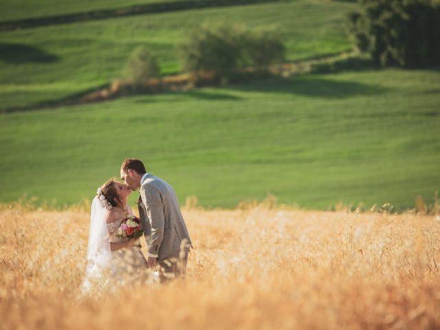 Il matrimonio di Valentin e Violette a Castiglione del Lago, Perugia 27