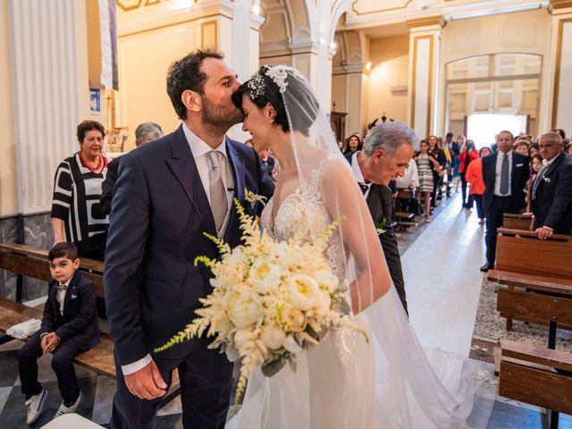 Il matrimonio di Nicola e Anna a Procida, Napoli 19