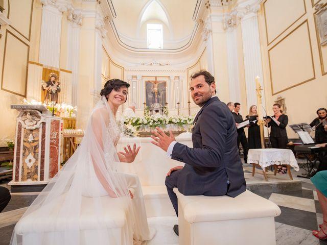Il matrimonio di Nicola e Anna a Procida, Napoli 25