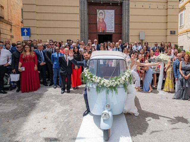 Il matrimonio di Nicola e Anna a Procida, Napoli 27