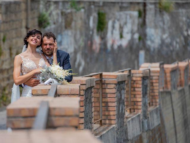 Il matrimonio di Nicola e Anna a Procida, Napoli 35