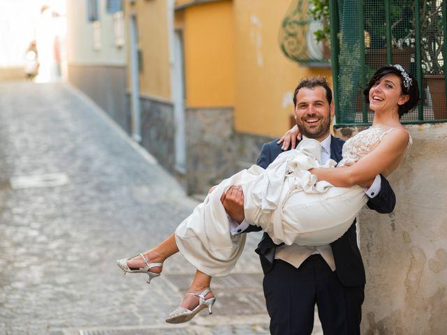 Il matrimonio di Nicola e Anna a Procida, Napoli 38