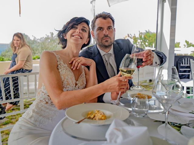 Il matrimonio di Nicola e Anna a Procida, Napoli 41