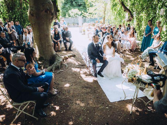 Il matrimonio di Giuseppe e Daniela a Magnago, Milano 19