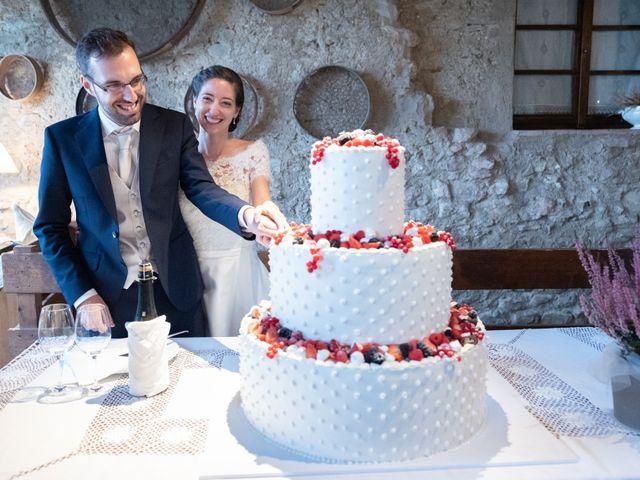 Il matrimonio di Filippo e Ilaria a Proserpio, Como 18