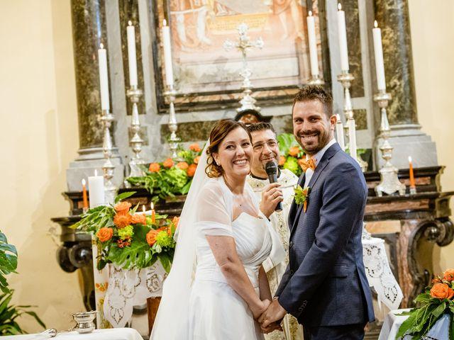 Il matrimonio di Luca e Valentina a Uggiate -Trevano, Como 32