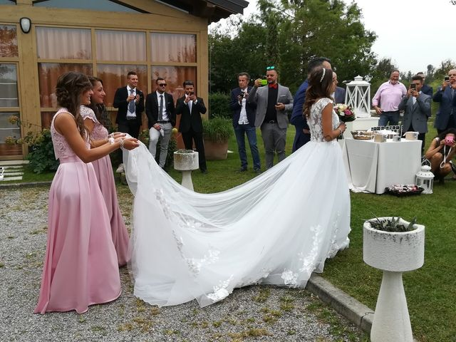 Il matrimonio di Luca  e Elisa a Castrezzato, Brescia 29