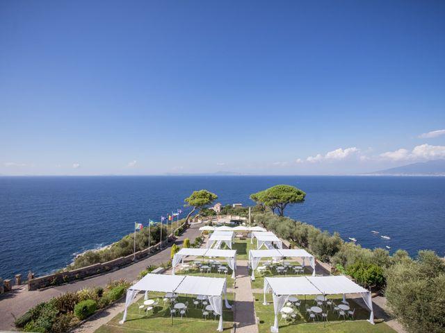 Il matrimonio di Alessandro e Angela a Sorrento, Napoli 2